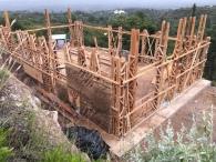 Abril, construyendo estructura